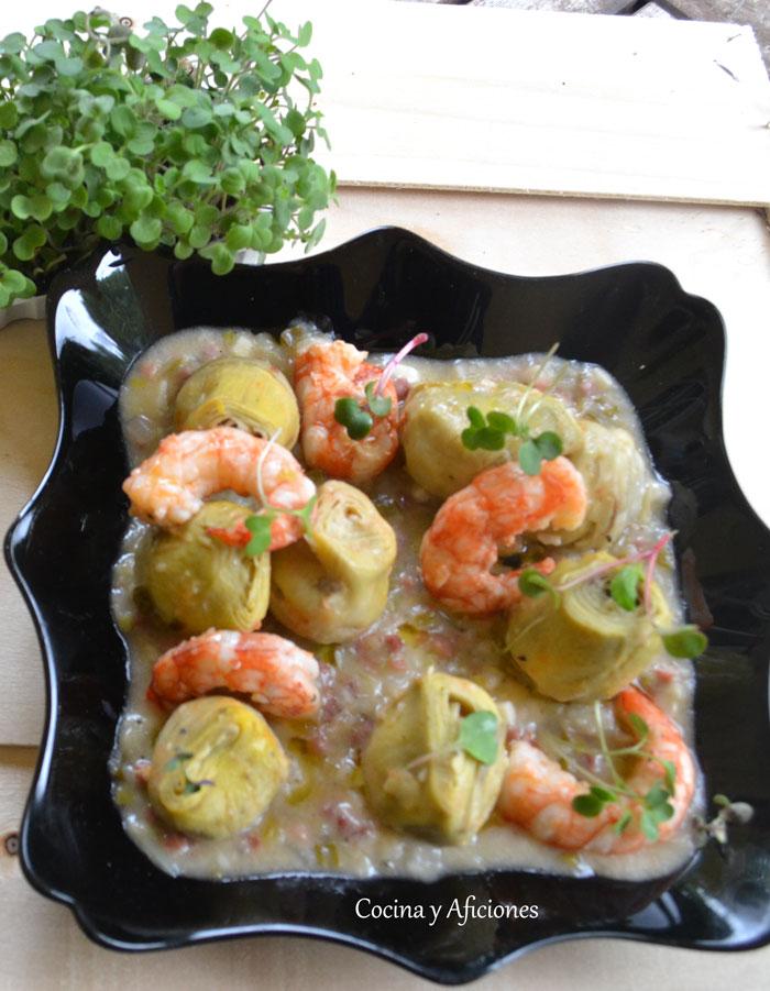 Alcachofas-en-salsa-con-jamon-y-gambas9
