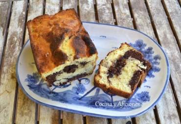 Bizcocho de  coco y chocolate para un desayuno perfecto, receta paso a paso.