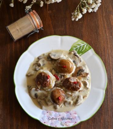Popietas de gallo, boletus y salsa duxelle, receta paso a paso