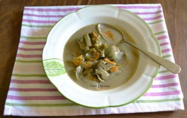 Alcachofas a la barigoule sobre veloute de alcachofas, receta paso a paso.
