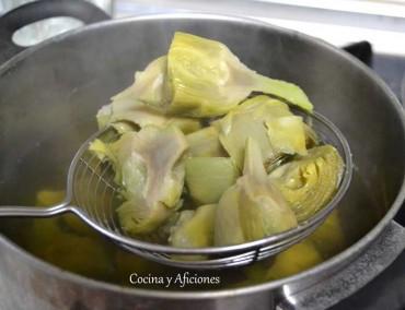 Técnica de cocina:  como hervir alcachofas y que te queden verdes sin añadirles nada de nada.