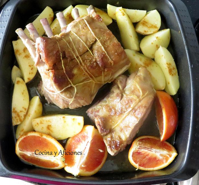 preparando-el-carré-de-cordero-a-la-naranja