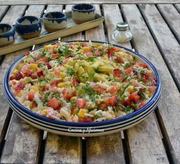 Ensalada de arroz vegetal, receta paso a paso.