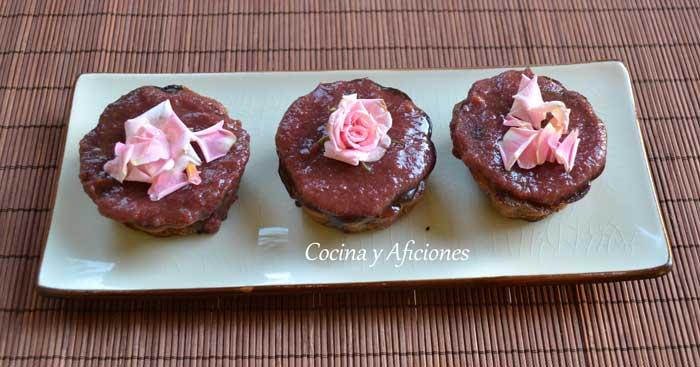 bizcocho-de-chocolate-y-rosas