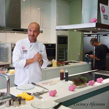 Iñigo Urrechu nos enseña a cocinar el cerdo blanco, apuntes con video.