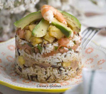 Pastel de arroz salvaje con atún, receta paso a paso