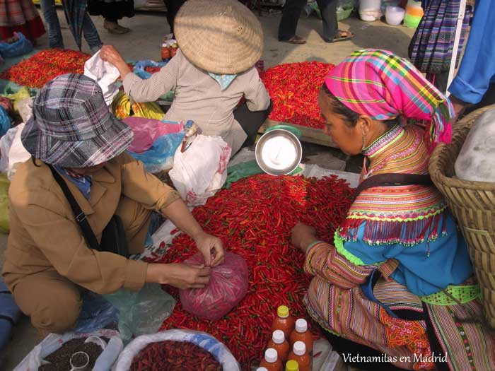mercado-etnico-bac-ha-vietnam-1
