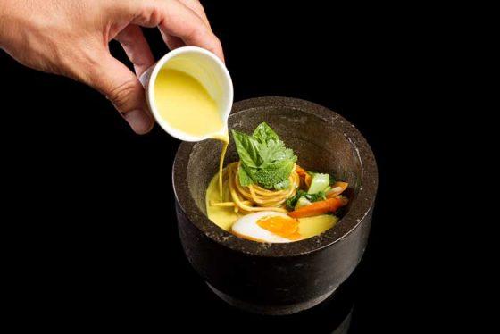 ramen-de-bullabesa-thai-y-noodels-kitchen-club