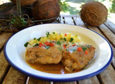 Pollo en agua de coco y vainilla, receta paso a paso.