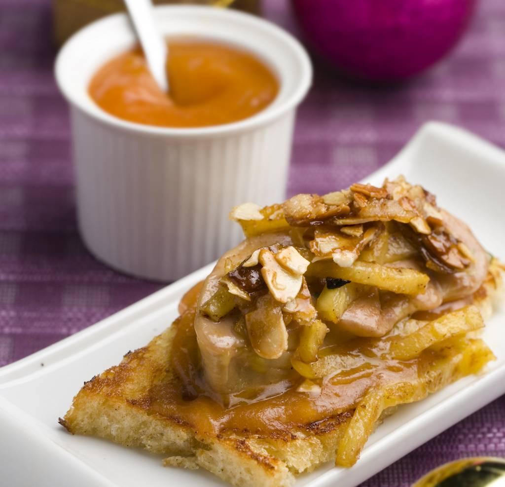 aperitivo-de-foie-con-confitura-especiada-1