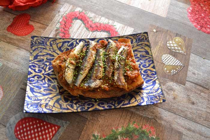 tosta-de-sardinas-salsa-antibers-4