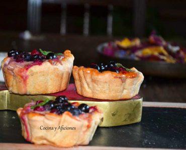 Tartaletas rellenas de crema inglesa de frutos rojos, receta paso a paso.