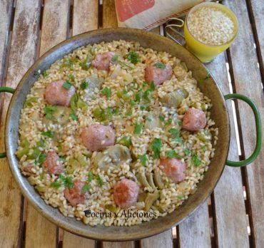 Arroz con salchichas frescas, receta paso a paso.