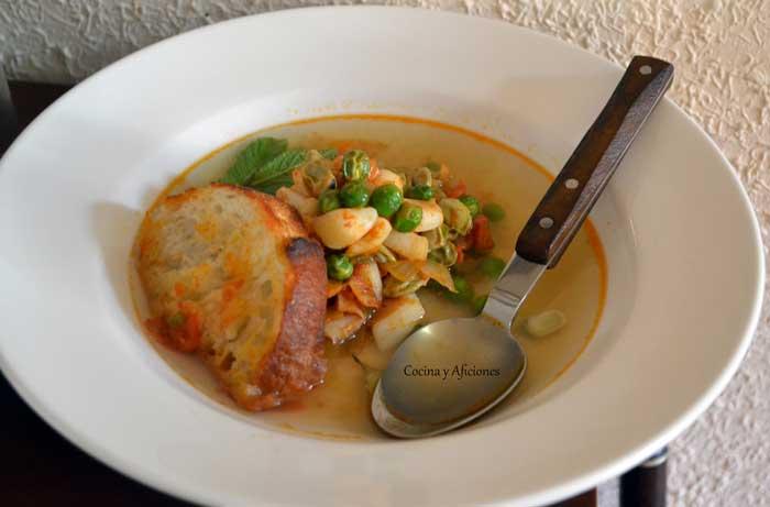 sopa-de-pescado-con-habas-y-guisantes-1