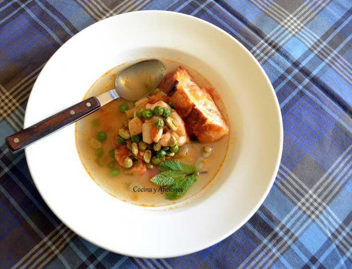 sopa-de-pescado-con-habas-y-guisantes-2