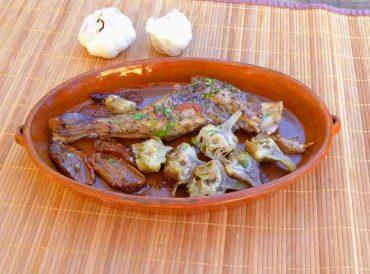 Paletillas de cordero con alcachofas al estilo de Cerdeña