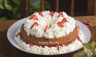 Tarta de fresas con nata, receta paso a paso.