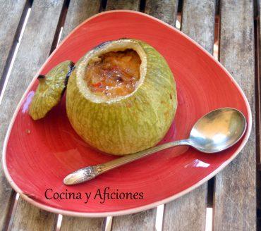 Calabaza rellena de gambas (Camarão na moranga) una sencilla receta brasileña paso a paso.
