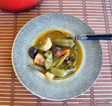 Guiso de verduras y panceta (Sinigang na Baboy), delicia filipina, receta paso a paso.