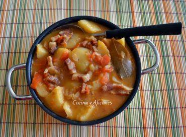 Patatas pastoras de Aragón, una receta muy típica y celebrada.