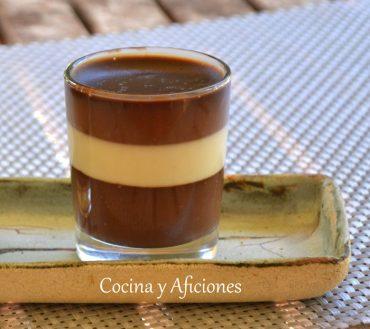 Vasitos de 3 chocolates, negro, blanco y con leche receta muy sencilla paso a paso.