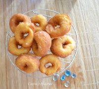 Rosquillas caseras que quisieron ser donuts, un desayuno de primera, receta.