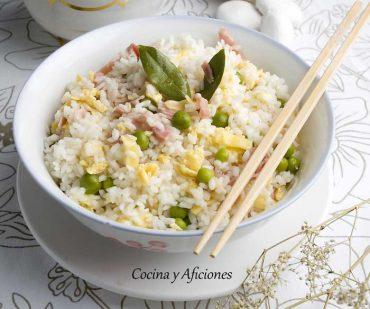 Arroz oriental cuatro delicias, receta sencilla.