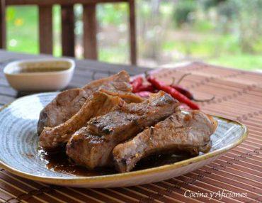 Costillas de cerdo en adobo jerk al estilo de Ziggi Marley, receta rica, rica.