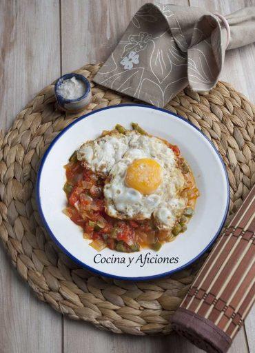 Huevos fritos a la española