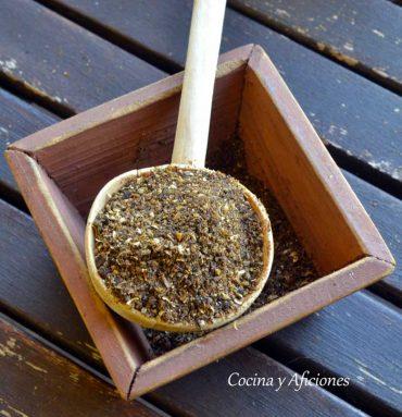 Baharat, las siete especias persas con loomi o limón negro