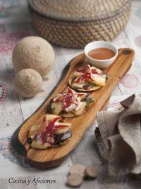 Tapa de melón con jamón de pato, una receta ideal para el aperitivo