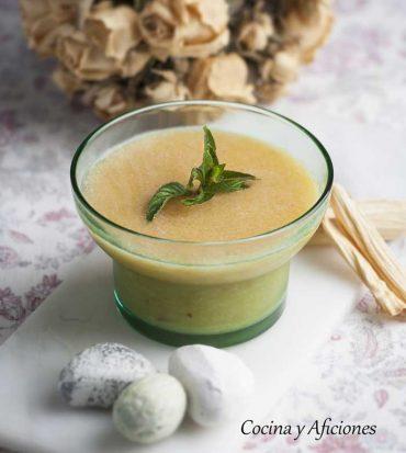 Granizado helado de melocotón, una refrescante receta.