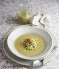 Ensalada liquida con berberechos y espaguetis de pepino, receta elegante y deliciosa