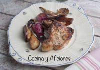 Chuletas de cerdo ibérico con chalotas y pera, receta