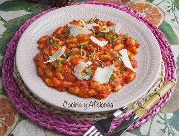 Gnocchetti sardi alla Sorrentina, receta deliciosa y fácil.