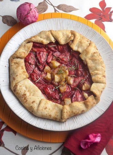 Galette de fresas y manzanas, un postre rápido y delicioso
