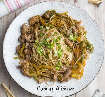 Tallarines al estilo chino con solomillo ibérico, receta