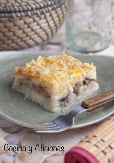 Gratín de patata relleno de setas al estilo de Ucrania ·zapiekanka·