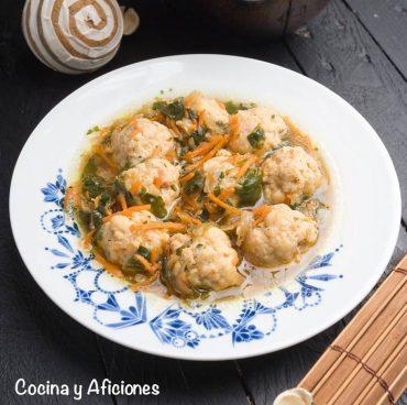 Sopa de verduras y albóndigas, receta marroquí deliciosa