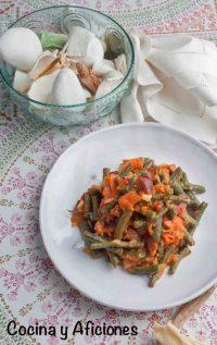 Judías verdes con chorizo y tomate, receta fácil, rica y barata.