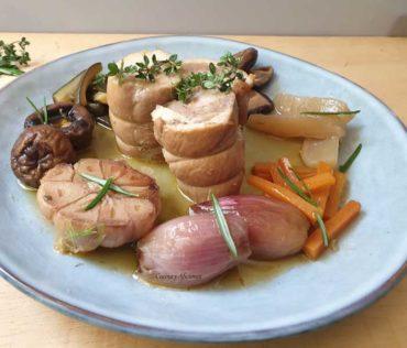 Escabeche de pollo con setas y verduras, receta más rica imposible.