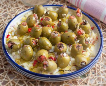 Aceitunas gordal rellenas con vinagreta de queso de cabra y miel