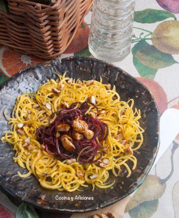 Ensalada de espaguetis dezanahoria yfurikake de Hawái – almendras dulce/picantes