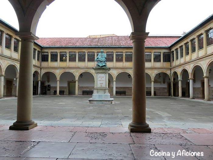 Antigua Universidad de Oviedo