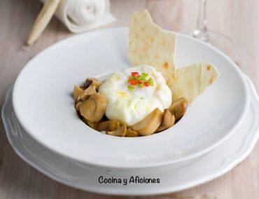 Flor de huevo con boletus, receta sencilla pero exquisita