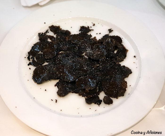 carpaccio de trufa negra