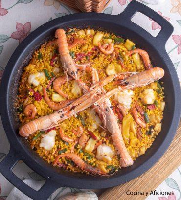 Paella de rape y mariscos, receta perfecta para conseguir un arroz de lujo