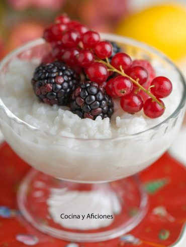 Arroz con leche de coco, un postre delicioso y sencillo