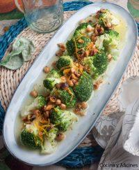 Brócoli con vinagreta de avellana y naranja, receta buena, bonita y barata