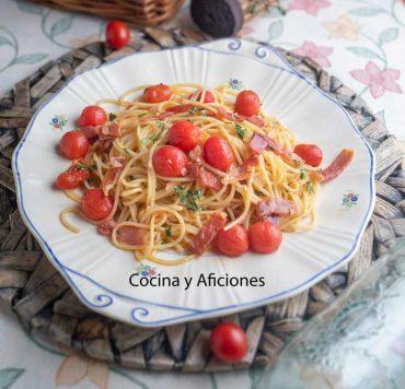 Espaguetis con jamón y tomate una receta deliciosa y sencilla